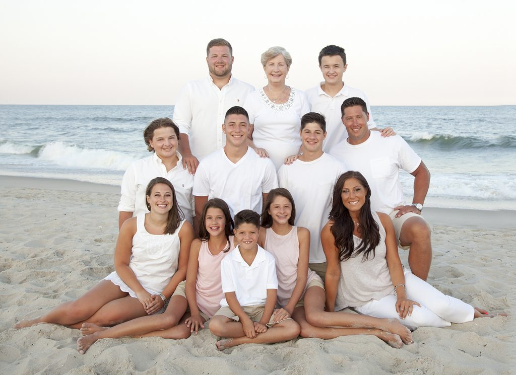 extended family beach portrait session